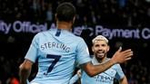 Namun di pengujung babak pertama, Sergio Aguero sukses mencetak gol kedua memanfaatkan umpan matang dari Raheem Sterling. (REUTERS/Andrew Yates)