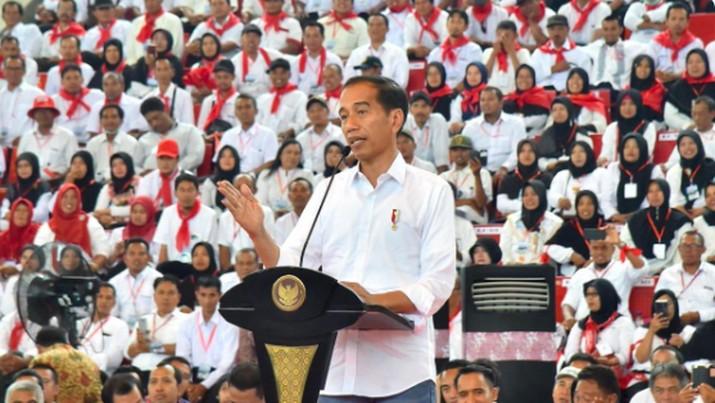 Presiden Joko Widodo (Jokowi) kembali mengklaim pemerintahannya berhasil menurunkan akselerasi impor jagung dari 3,5 juta ton menjadi 180.000 ton.