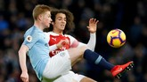 Usai kedudukan 1-1, permainan berjalan lebih seimbang dan Manchester City maupun Arsenal memeragakan permainan saling serang. (REUTERS/Andrew Yates)