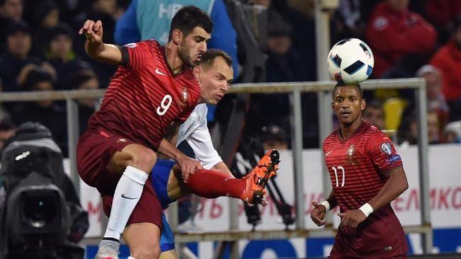 Luka Sadis di Wajah Striker Reading Diinjak Bek Aston Villa