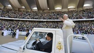 Paus Fransiskus Selenggarakan Misa Massal di Abu Dhabi