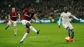 West Ham United hanya butuh enam menit untuk menyamakan kedudukan melalui gol Michail Antonioyang memanfaatkan set piecesumpan Felipe Anderson. (Reuters/John Sibley)