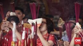 Wihara Dharma Bakti Dikunjungi 11 Ribu Orang saat Imlek