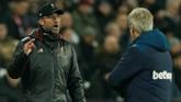 Manajer Liverpool Juergen Kloppsempat terlibat cekcok dengan manajerWest Ham Manuel Pellegrini. (Reuters/John Sibley)