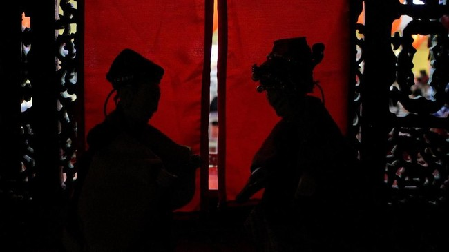 Wayang Potehi mulai kembali eksis ketika masa Presiden Gus Dur. Ia menjadi bukti penting adanya percampuran budaya Tionghoa dan Jawa. (ANTARA FOTO/Putra Haryo Kurniawan)