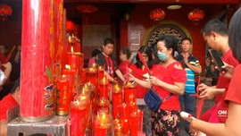 VIDEO: Jemaat Wihara Dharma Bhakti Tak Seramai Tahun Lalu
