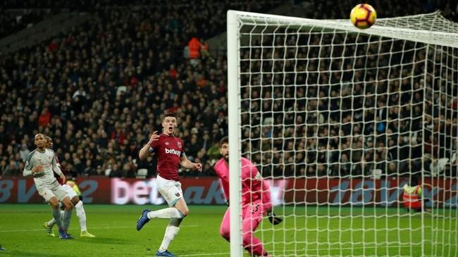 Liverpool gagal mencetak gol kemenangan hingga akhir babak kedua setelah West Ham United memberikan perlawanan sengit. (Reuters/John Sibley)