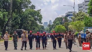 Janji Surga Politikus dan Riak Kecil Gerakan Buruh
