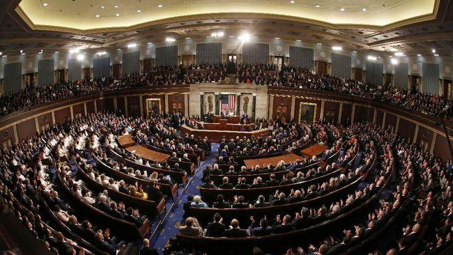 Kongres AS Tolak Tembok Trump, Loloskan Anggaran Imigrasi