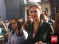 Senyum Lega Adik Jupe Usai Diperiksa Kasus Prostitusi Online