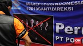 Serikat pekerja PT Pos Indonesia menuntut agar jajaran direksi perusahaan turun dari jabatannya. (CNN Indonesia/Adhi Wicaksono).
