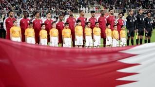 Pakai Jersey Qatar, Suporter Asal Inggris Ditangkap di UEA