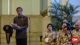 Jokowi Lantik Khofifah-Emil dan Pengganti Zumi Zola Sore Ini