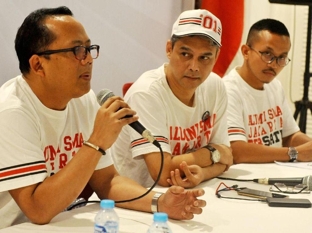 Pada kesempatan itu pula turut hadir Alumni SMA Jakarta Bersatu perwakilan Millenial Bimo Prasetyo, yang ikut menyampaikan keterangan pers jelang Deklarasi Alumni SMA Jakarta Bersatu Untuk Paslon 01, di Jakarta. Foto: dok. Satu semangat