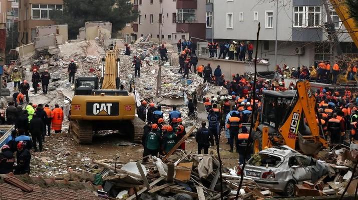 Apartemen Berlantai Delapan di Turki Runtuh, Dua Orang Tewas