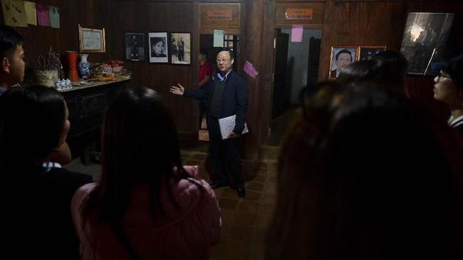 Namun kini, seiring Hmong yang menjadi etnis minoritas di sana, pemerintah setempat mengambil alih bangunan itu dan menjadikannya salah satu destinasi wisata. (Nhac NGUYEN / AFP)