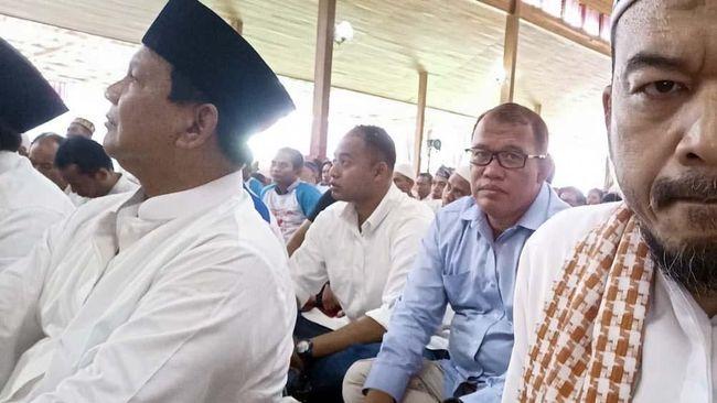 BPN: Prabowo Salat Menghadap Tuhan, Bukan ke Kamera