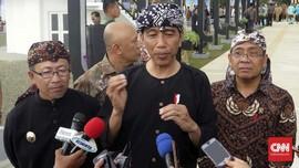 Kunjungi Cilacap, Jokowi Dapat Bambu Sakti dari Warga