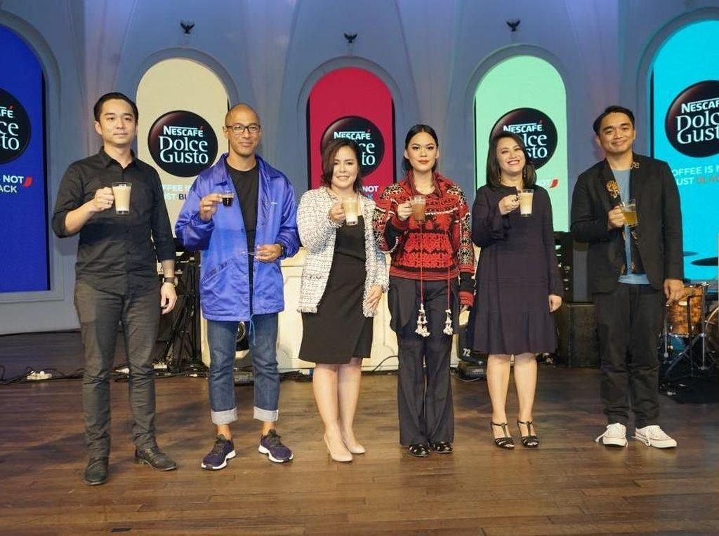 NESCAFÉ Dolce Gusto, multi beverage machine system pertama di Indonesia mempersembahkan mini konser musik perdananya, Music Drip. Istimewa.