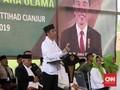 Di Alun-alun Cianjur, Jokowi Beli Lukisan Senilai Rp10 Juta