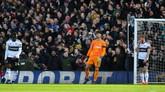 Fulham sudah kebobolan 58 gol dari 26 pertandingan di Liga Primer Inggris musim ini. Kekalahan dari Man United merupakan yang ke-20 sepanjang pertemuan kedua tim di era Liga Primer Inggris. (REUTERS/Dylan Martinez)