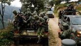 Tentara tiba dilokasi penemuanperkebunan opium ilegal di Sierra Madre del Sur, Meksiko. (REUTERS/Carlos Jasso).