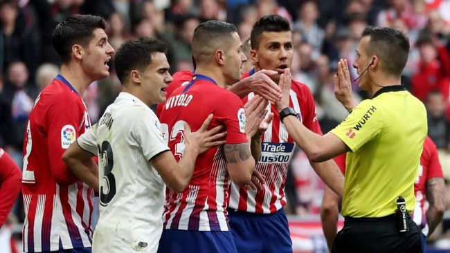4 Kontroversi Keputusan Wasit Usai Madrid Kalahkan Atletico