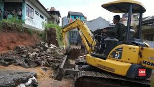 VIDEO: Polisi Investigasi Tanggul Jebol di Bandung