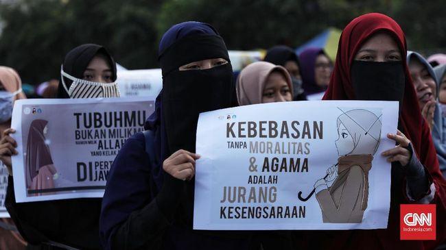 Keliling CFD, Komunitas Peduli Hijab Tolak Perayaan Valentine