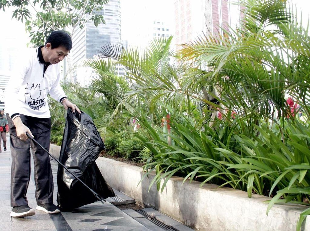 IPR juga mendukung produk daur ulang sebagai solusi pengelolaan sampah selain industri daur ulang juga mampu menyerap tenaga kerja sebanyak 528.000 orang di wilayah Jabotabek. Istimewa.