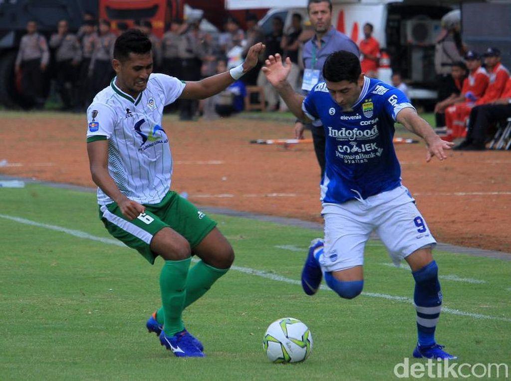 Selain Lopicic, Esteban Vizcarra menyumbang gol kelima untuk Persib Bandung.