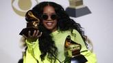 Sebagai pendatang baru, H.E.R berhasil mencetak jejak Grammy di kategori Best R&B Album dan Best R&B Performance. (REUTERS/Mario Anzuoni)