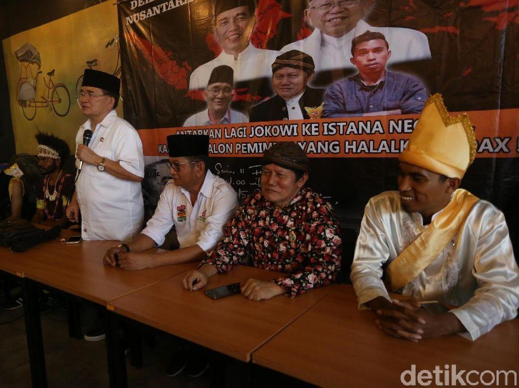 Komite Pemuda Peduli Adat Nusantara menyatakan mendukung Jokowi untuk menjadi presiden Indonesia kedua kalinya.