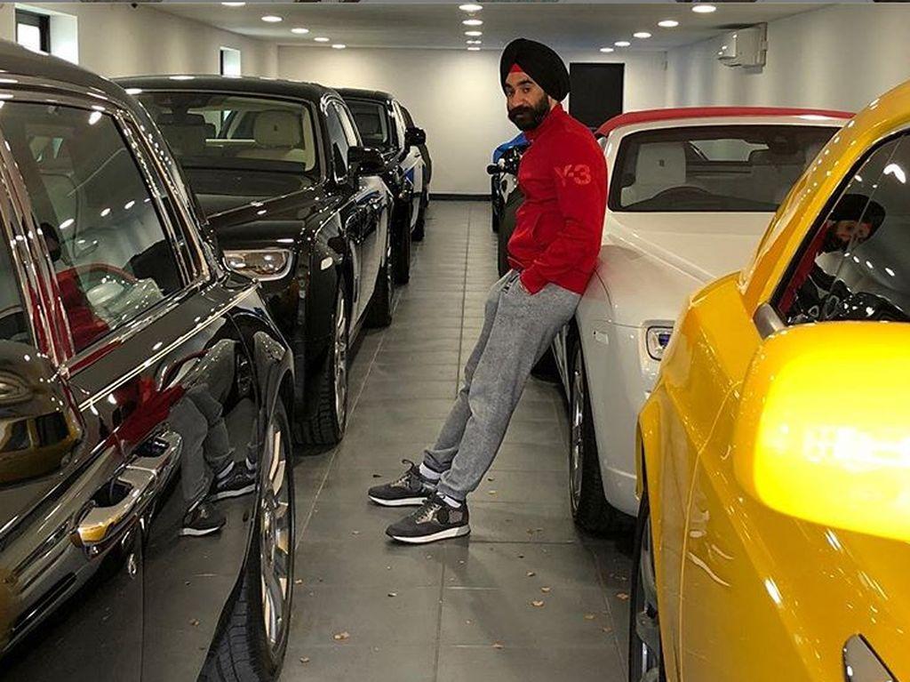 Singh tidak hanya penggemar Rolls-Royce. Banyak mobil mewah lain di garasinya. Foto: Instagram/Reuben Singh
