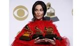 Musisi country Kacey Musgraves berhasil mengalahkan musisi genre pop dan hip hop yang menguasai Grammy Awards 2019 dengan membawa pulang empat piala, termasuk Album of the Year berkat 'Golden Hour'. (REUTERS/Mario Anzuoni)