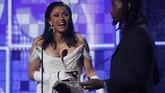 Cardi B memenangkan penghargaan Best Rap Album atas karyanya, 'Invasion of Privacy'. Cardi menyebutkan kemenangan itu ia persembahkan untuk anaknya, Kulture. (REUTERS/Mike Blake)