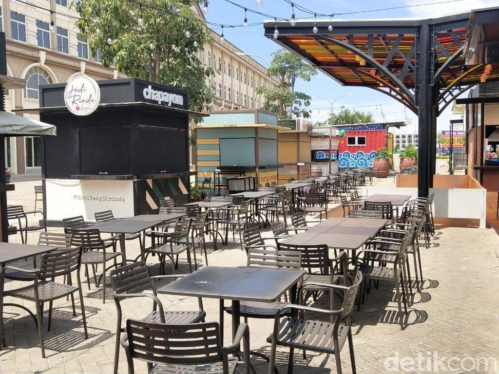 Pedagang di food court Pantai Maju mengatakan kurang lebih ada 25 kios yang menjajakan makanan dan minuman. (Foto: M Guruh Nuary/detikcom)