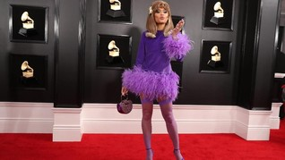 FOTO: Selebriti 'Berbulu' dan 'Mengembang' di Grammy Awards