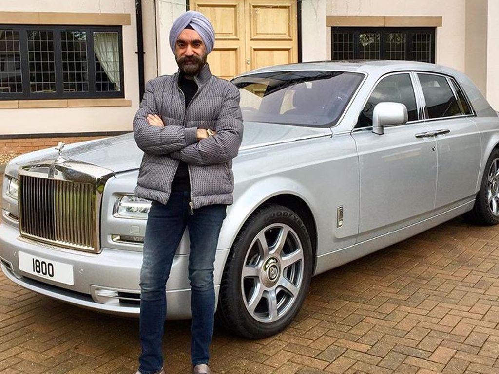 Berbagai kepentingan bisnis telah membuatnya menjadi sangat kaya dan dia baru-baru ini memutuskan untuk menikmatinya. Foto: Instagram/Reuben Singh