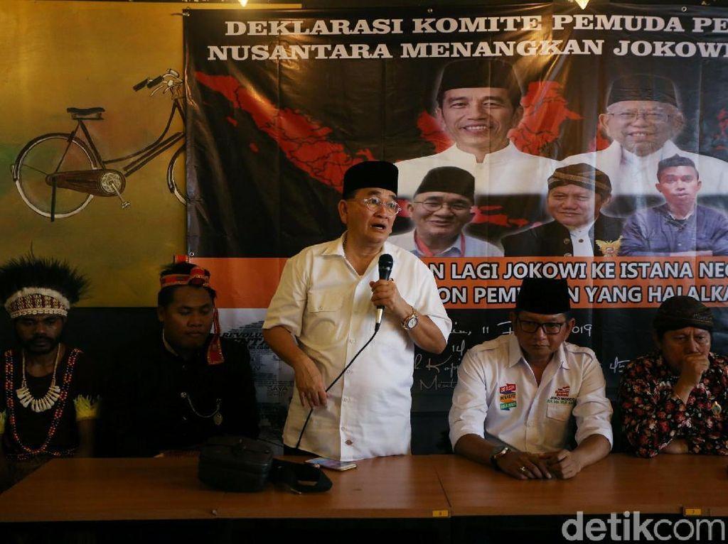 Komite Pemuda Peduli Adat Nusantara (KPPAN) saat menggelar deklarasi di kawasan Menteng, Jakarta, Senin (11/2/2019).