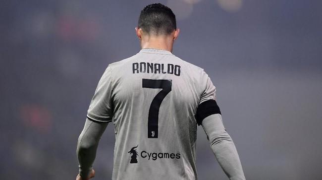 Penampilan apik Cristiano Ronaldo membuat Juventus kembali ke jalur kemenangan setelah dikalahkan Atalanta di Coppa Italia dan ditahan imbang Parma di Liga Italia. (REUTERS/Alberto Lingria)