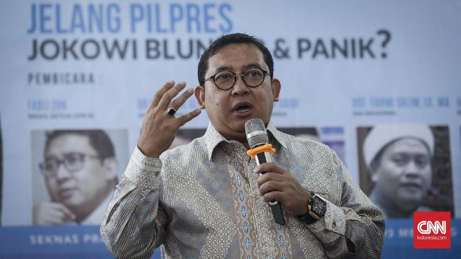 Fadli Zon Sebut Jokowi Pakai Jurus Mabuk Luncurkan Kartu Baru