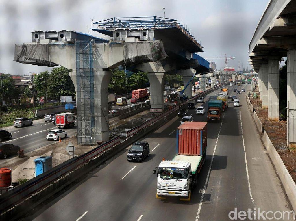 Pembangunan Tol Jakarta-Cikampek (Japek) Layang atau Elevated terus dikebut.