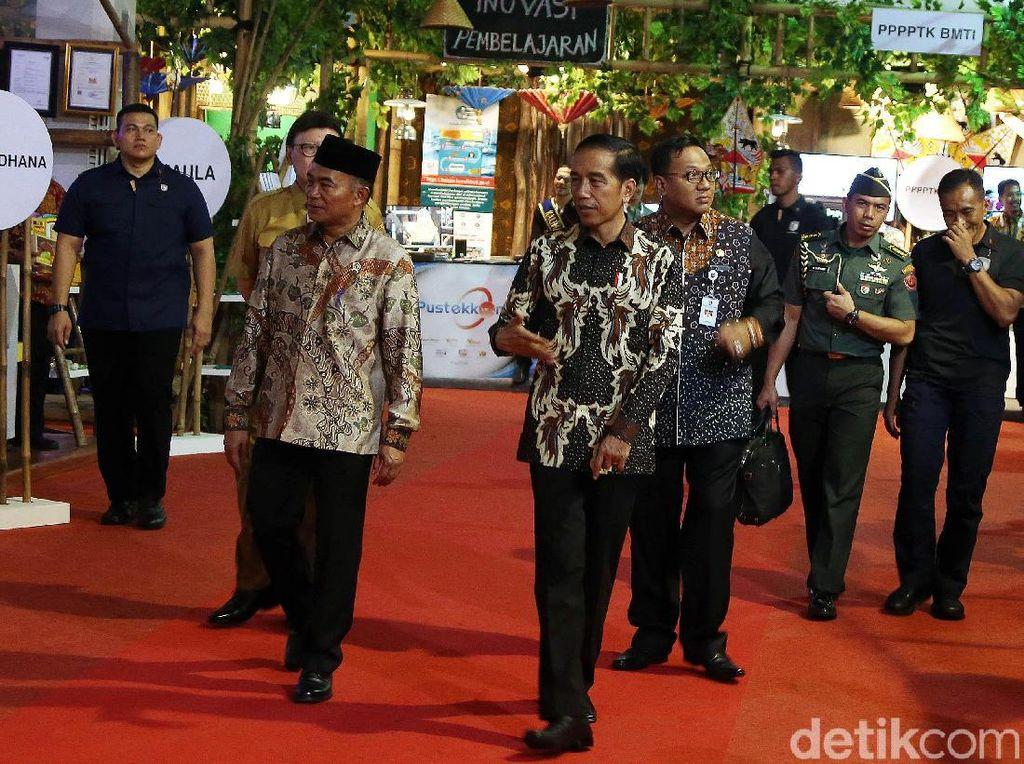 Selain infrastruktur, kata Jokowi, modal utama negara dalam bersaing adalah kualitas SDM.