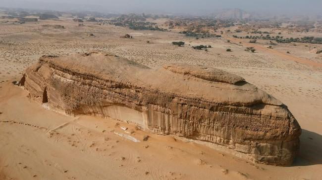 Pembangunan Al Ula menjadi daya tarik sekaligus kajaiban tersendiri. Mitos yang berkembang di masyarakat, kota ini dibangun dengan bantuan bangsa jin. (REUTERS/Faisal Al Nasser)