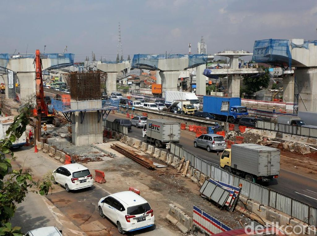 Dia bilang, untuk fungsional pembangunan Tol Japek Elevated mesti mencapai 90%.