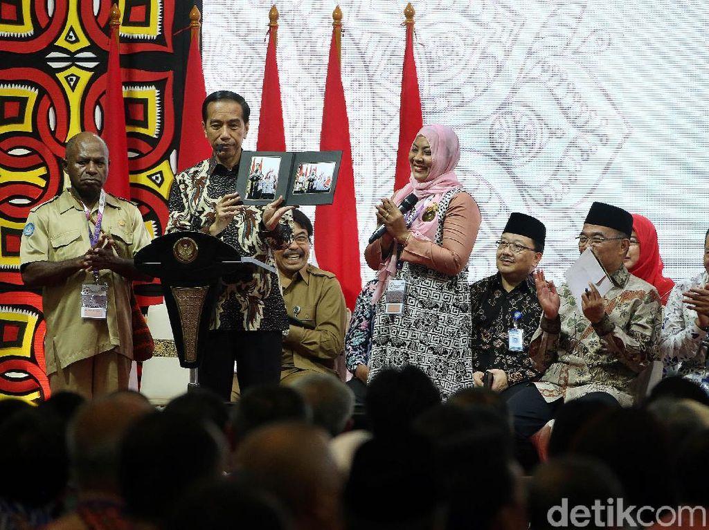 Hal itu disampaikan Jokowi saat membuka Rembug Nasional Pendidikan dan Kebudayaan di Pusat Pendidikan dan Latihan Kemendikbud, Sawangan, Depok, Jawa Barat, Selasa (12/2/2019).