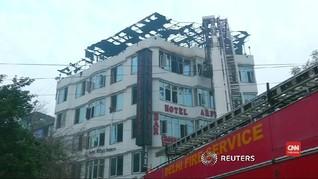 VIDEO: Kebakaran Hotel di India Menewaskan 17 Orang