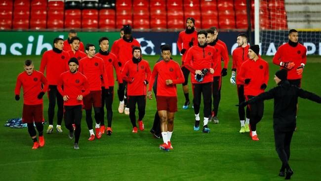 Paris Saint-Germain datang dengan kondisi yang kurang bagus. Mereka tampil tanpa Neymar dan Edinson Cavani. (Reuters/Jason Cairnduff)