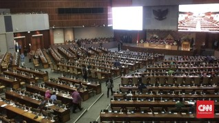 Banyak Kursi Kosong dalam Paripurna DPR yang Sahkan Tiga RUU